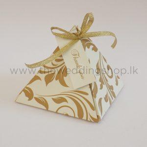 Pyramid favour box gold