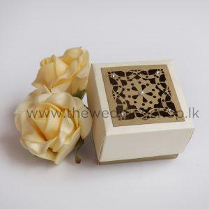 laser-cut-wedding-cake-box