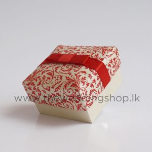 red-floral-wedding-cake-box