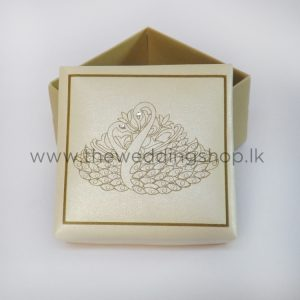 swan-couple-cake-box-36